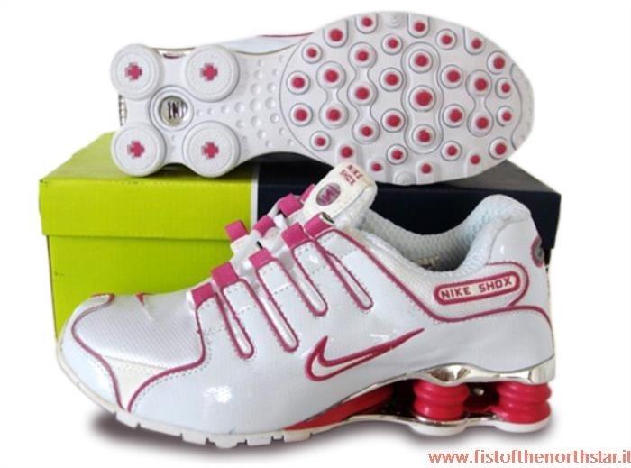 new concept 7a82f a09c7 Nike Shox Costo fistofthenorthstar.it