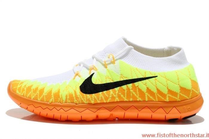 Nike Shox R4 Contrassegno fistofthenorthstar.it 8b3dc952ebe
